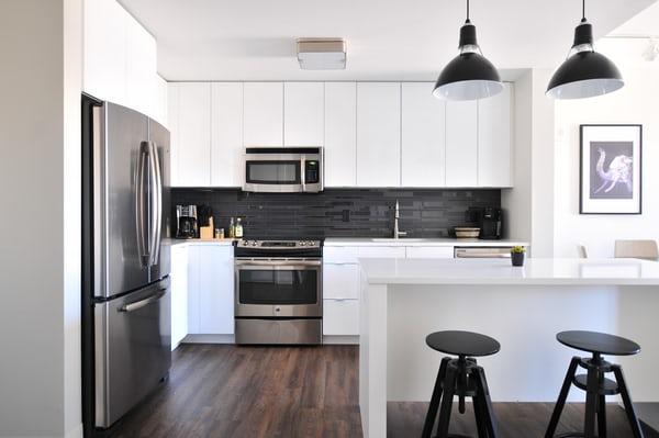 Funkcjonalne mieszkanie, czyli jak wykorzystać triki aranżacyjne